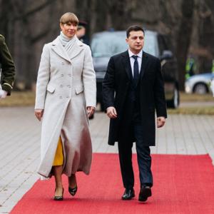 Президент Украины Владимир Зеленский и президент Эстонии Керсти Кальюлайд. Фото: скриншот с сайта rus.err.ee.